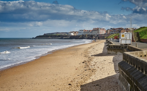 Whitley-Bay-Beach-Promenade-Rex-Hotel-Clouds